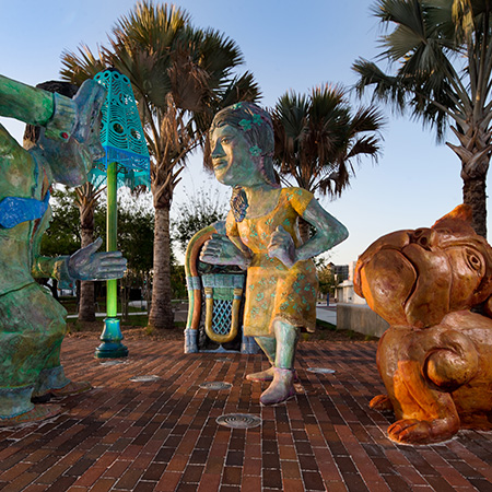Gateway Sculptures to Perry Harvey Sr Park by James Simon 2015 photo by Amy Martz